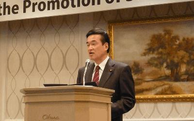 国際社会に貢献し、日本の平和と独立を守ります